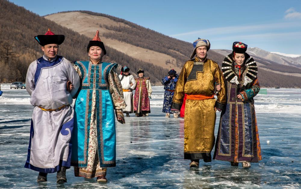 Traditionelle Kleidung der Mongolen