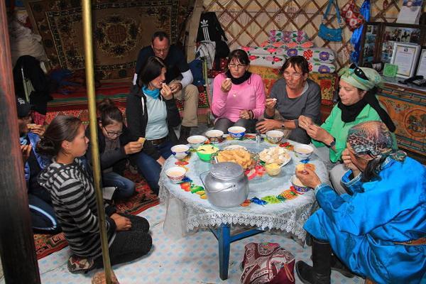 Die Kultur der kleinen Geschenke in der Mongolei